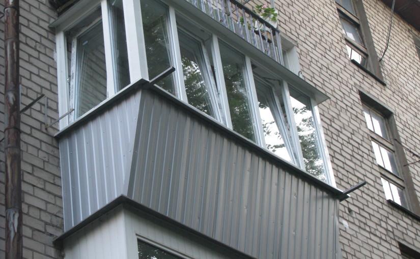 Остекление балкона пластиковым профилем Rehau